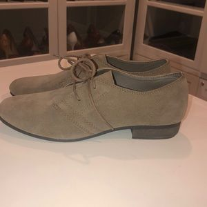 White Mountain Lace Up Suede Shoes